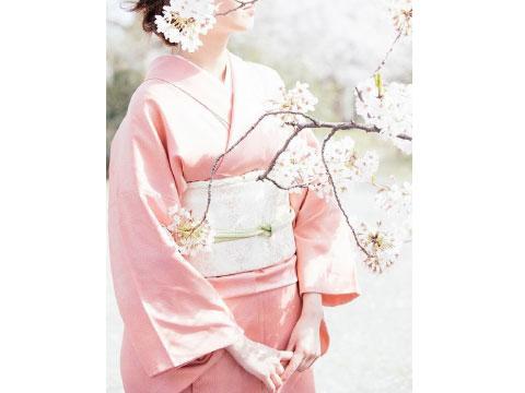 Dưỡng da và tóc bằng dầu cám gạo nguyên chất - Bí kíp cho nhan sắc thanh khiết như đóa hoa anh đào của phụ nữ Nhật Bản.