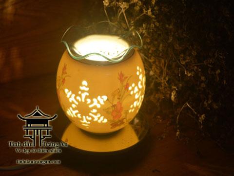 Đèn xông tinh dầu hoa tuyết tặng 10ml tinh dầu