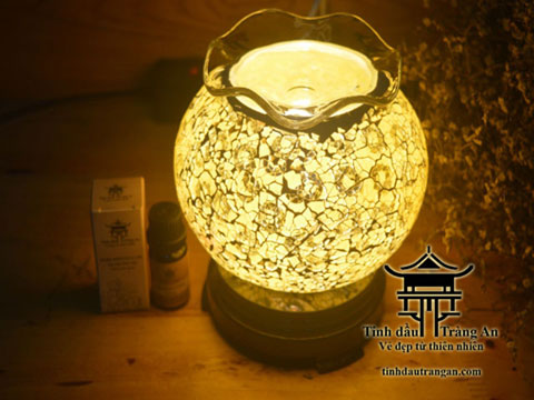 Đèn xông tinh dầu pha lê PC8 tặng 10ml tinh dầu