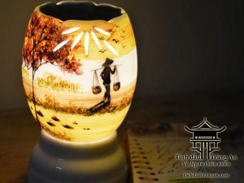 Đèn xông tinh dầu T12 tặng 10ml tinh dầu